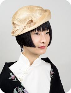 portrait hitomi