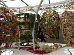 Sculpture which reminds me of the Philadelphia Flower Show 2014, Articulture.