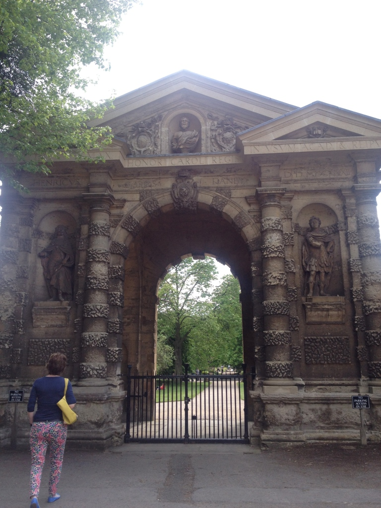 The gate of Oxford Botanic Garden. This picture is a fine example of my everyday struggle of getting no people in the picture (five attempts).