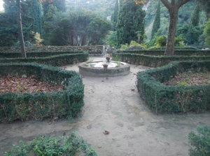 This parterre hedging very similar in layout to that of the Fuchsia Garden at Hidcote.