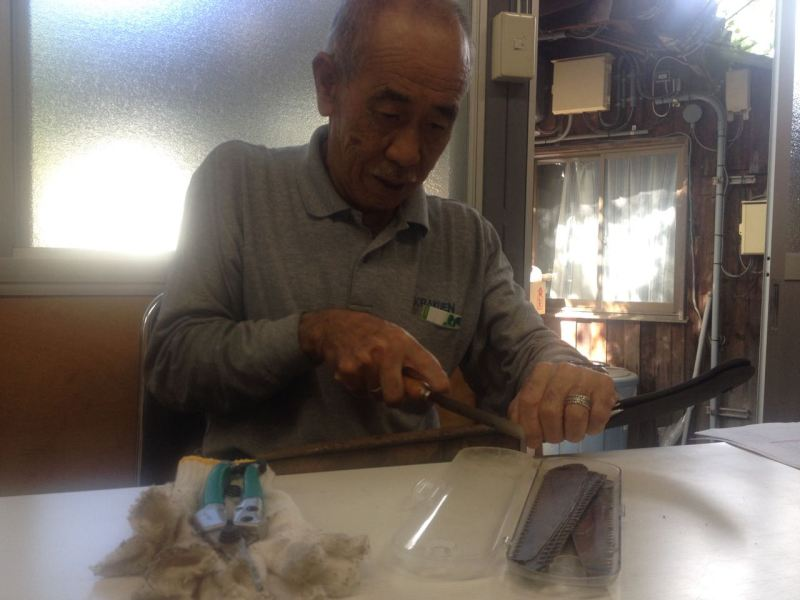 Horinouchi-sensei taught us to sharpen tools, traditionally prune pines, and construct traditional bamboo fences.