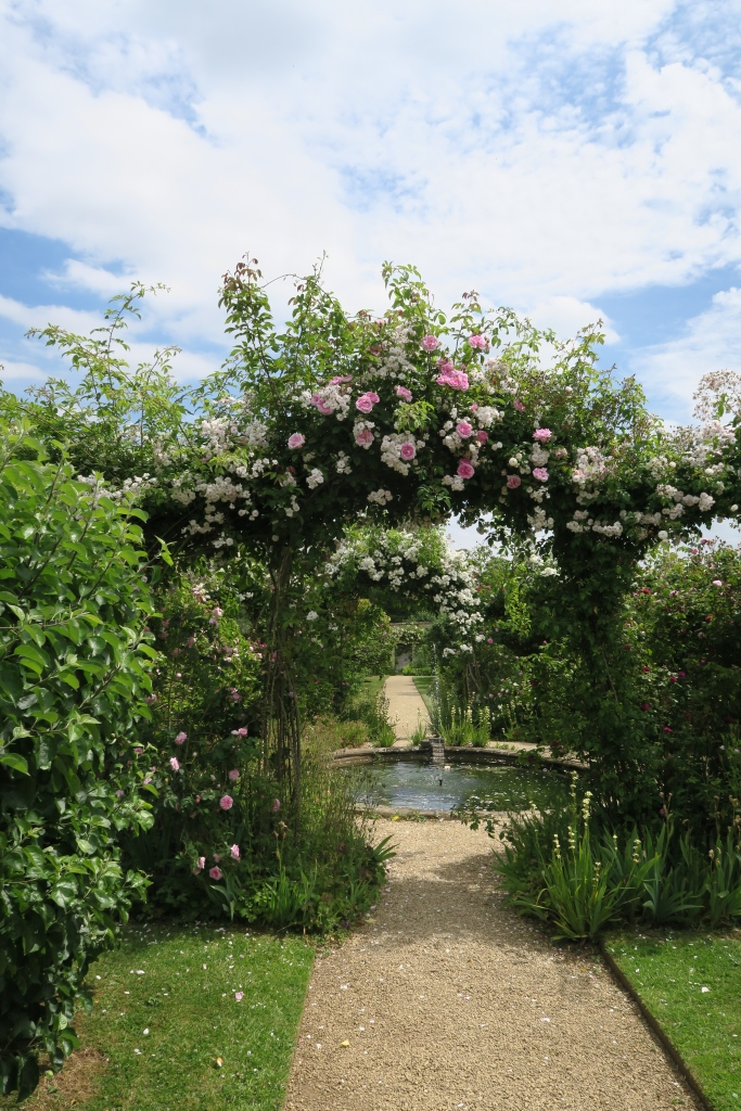 Wild, but maintained, Rousham Garden was such a surprise to visit. A private garden with a goodwill payment system, not much was expected at the entrance. What is to be discovered inside is incredible.