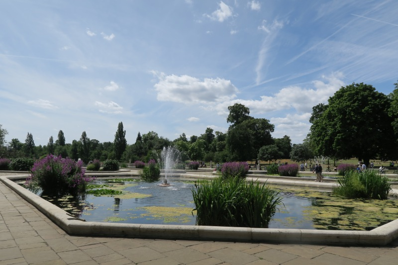 This Italian water garden was a great end to my visit at Kensington Park.